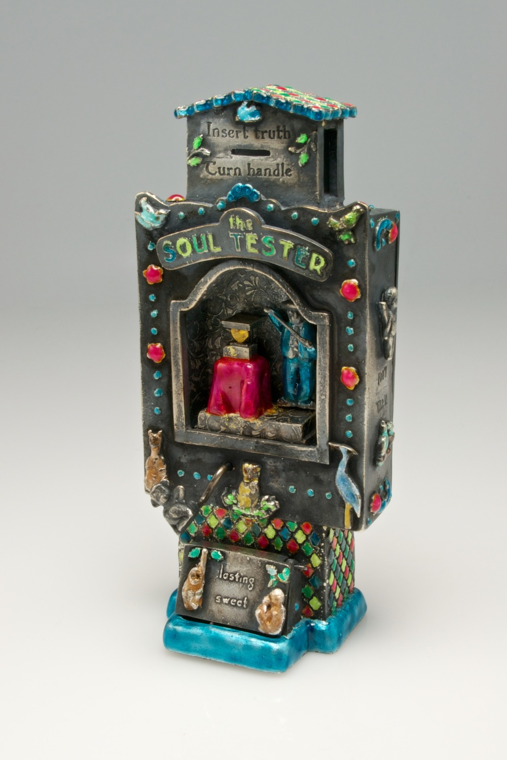 Prayer box for Mother Earth; automaton pendant by Kim Nogueira
