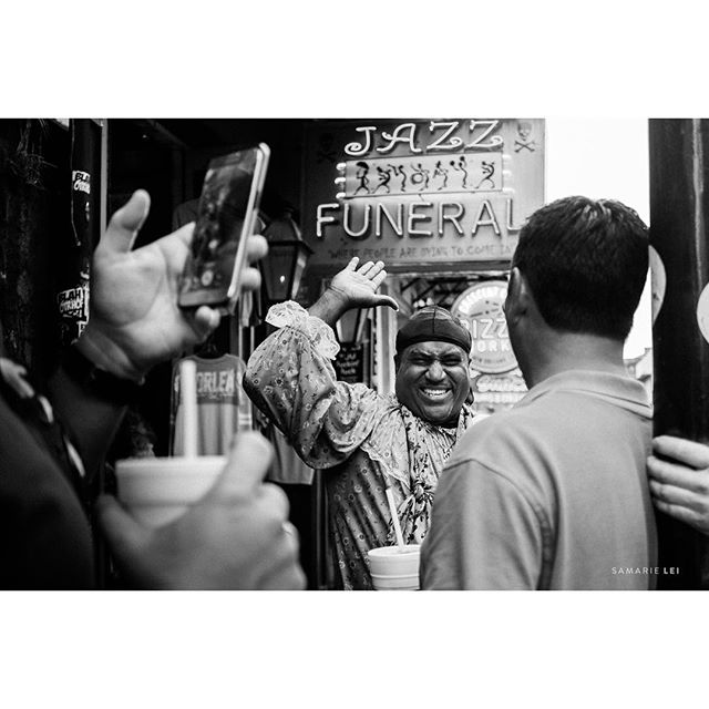 Laissez les bon temps rouler (let the good times roll)  _ _  #womaninstreet #fujiframe #fujifilmx_us #fujifilmxseries #fujixt2 #fujifilmxt2 #myfujifilm #fujifeed #lensculture #documentinglife #igtravel #fearlessandframed #illuminateclasses #thehonestlens #thedocumentarymovement #natgeoyourshot #followyournola #nolalove #reflection #showmeyournola #streetpotography #streetshared #streethunters #twgrammers #streetphotographer #streetpoto #streettogs #bwphotography #bwphotooftheday