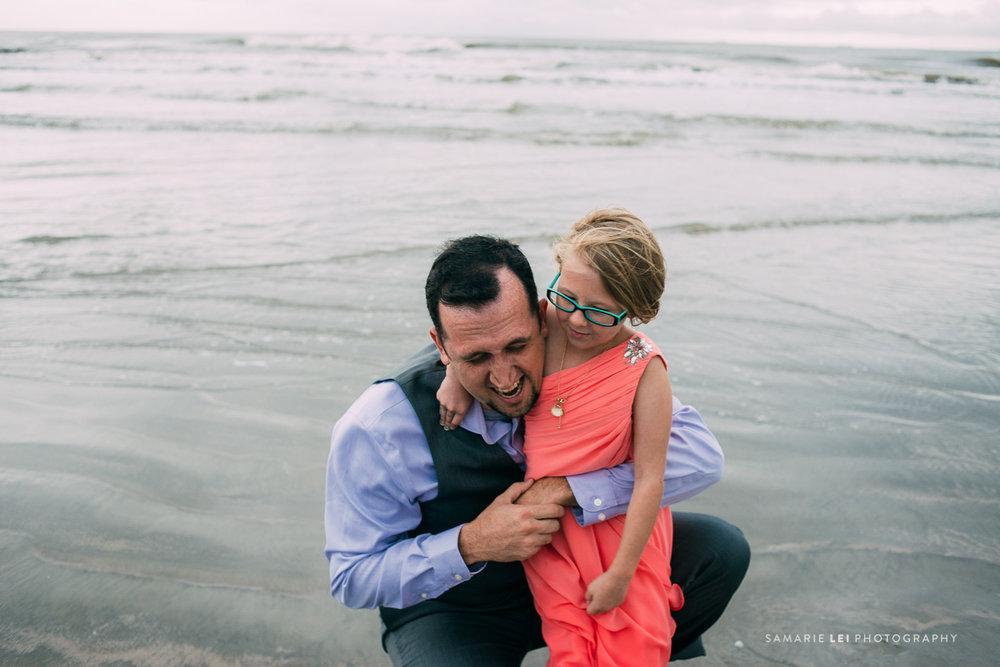 Galveston-elopement-houston-wedding-photographer-43.jpg