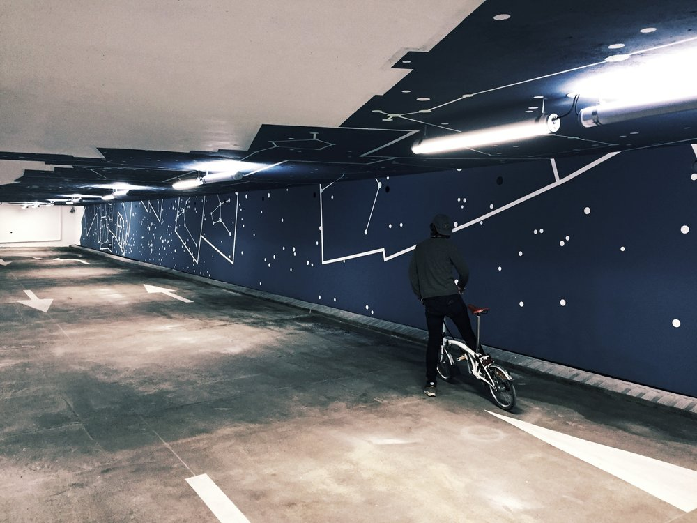 2KM3 contemporary art platform by Etienne de Fleurieu, painting on wall and ceiling, detail