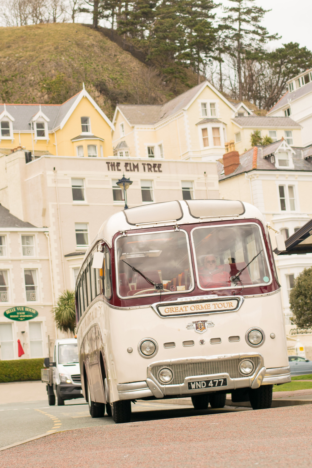 tour bus in llandudno