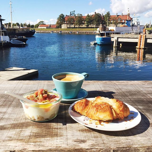 Can I go back to Copenhagen and start my day like this every day? I love the way of life there!! The houseboats, cycling everywhere, being close to the water and the yummy food. I was a bit concerned when the lady serving poured olive oil on my rhubarb Bircher muesli but it was surprisingly good!! And the croissants, pistachio rolls, the coffee..... I miss it all. #takemymoney #latergram #travelereats #girleatworld #visitcopenhagen