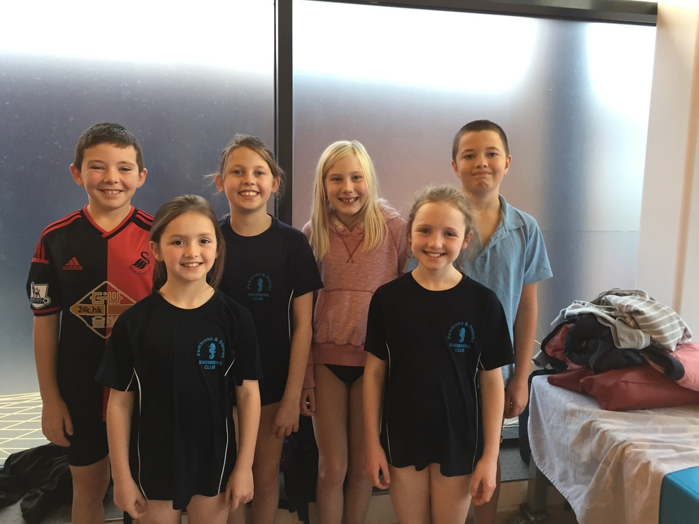The swimming team at the Urdd Gala.