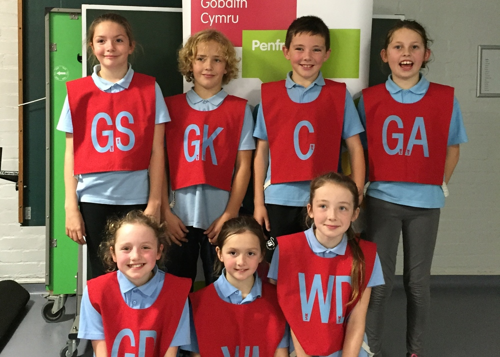The netball team at the Urdd Netball Competition.