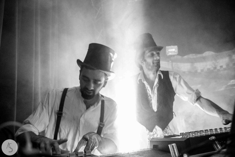 Electro swing cabaret - Ninkasi- photographe evenements - Adriana Salazar photo-73.jpg