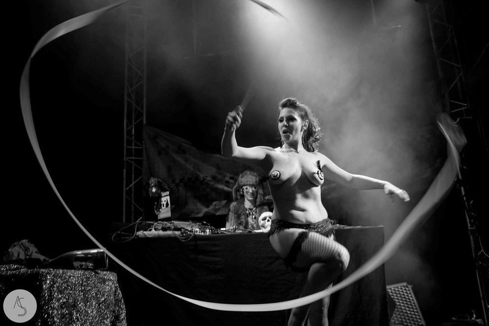 Electroswing cabaret - Nikasi - Halloween- Adriana Salazar photo - Lyon 001.jpg