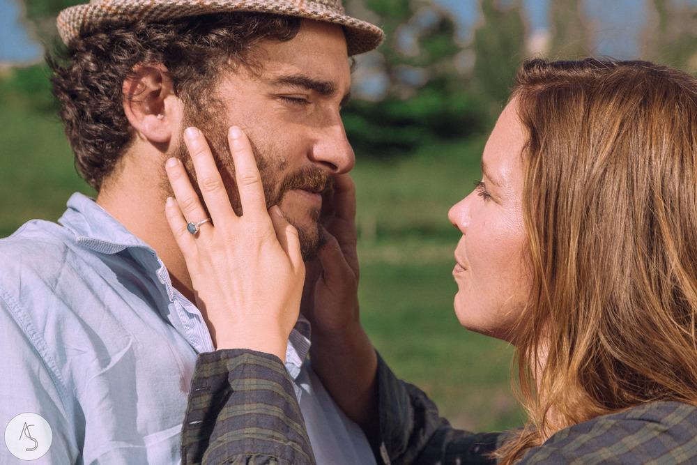 Séance engagement - La Drôme - Lifestyle_ Photographe couple7.jpg