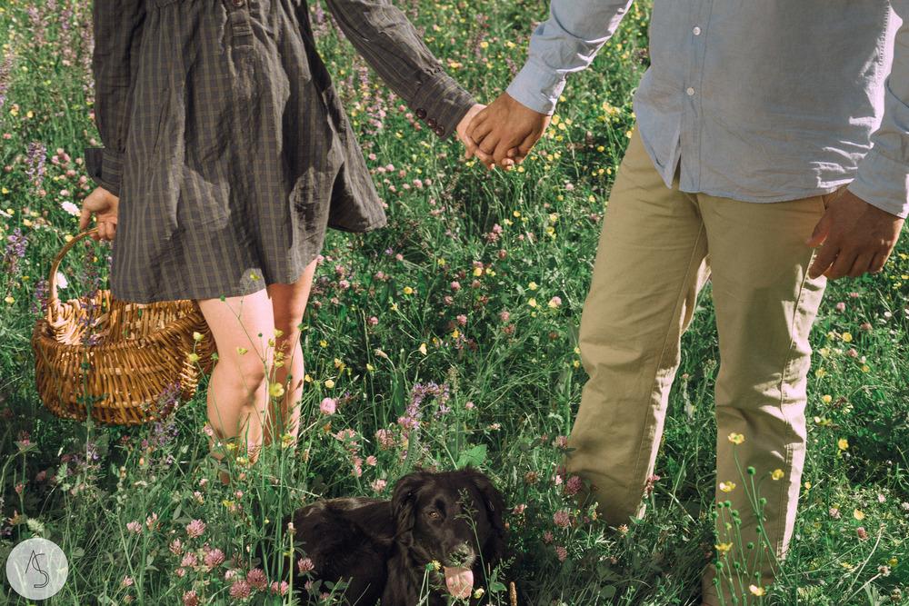 Séance engagement - La Drôme - Lifestyle_ Photographe couple16.jpg