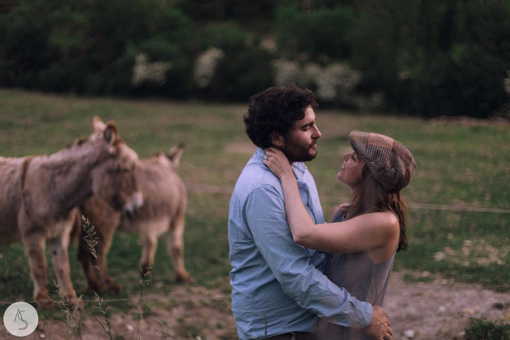 Séance engagement - La Drôme - Lifestyle_ Photographe couple56.jpg