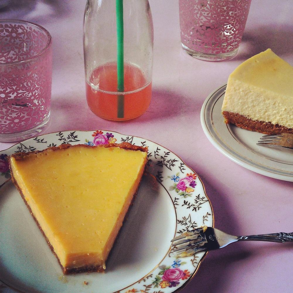 au goûter : tarte aux 3 agrumes, framboisade maison et cheesecake