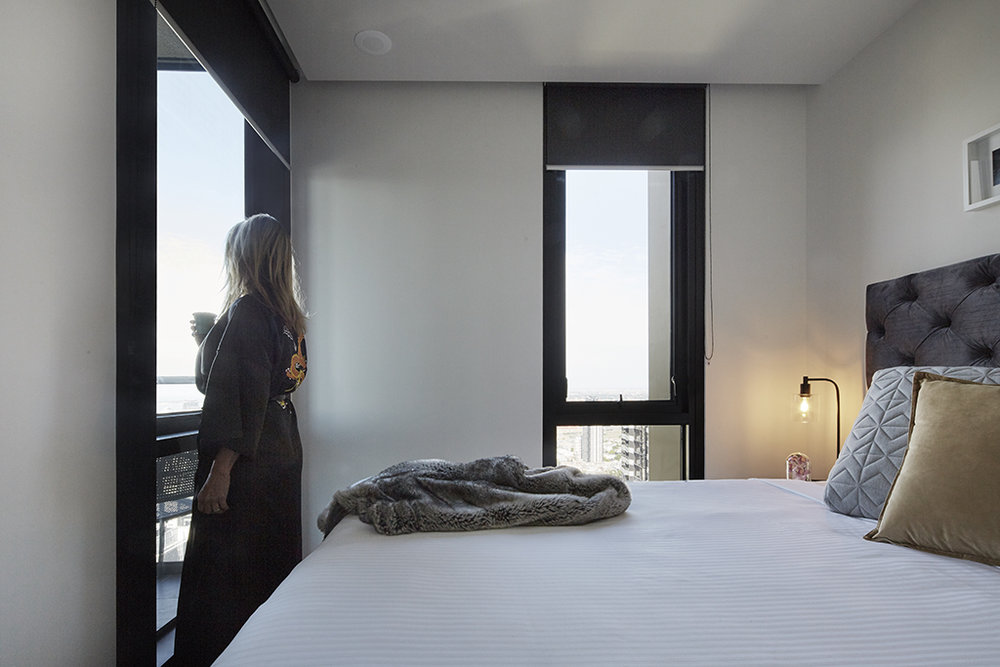 EMPIRE-MELBOURNE-SHORT-STAY-APARTMENT-BEDROOM-OUTLOOK.jpg