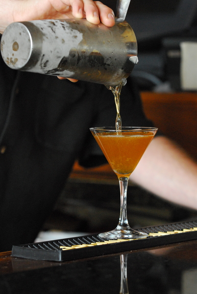 Cutting back on alcoholic beverages can save you from excessive sugar andempty calories. Photo © Carole Topalian