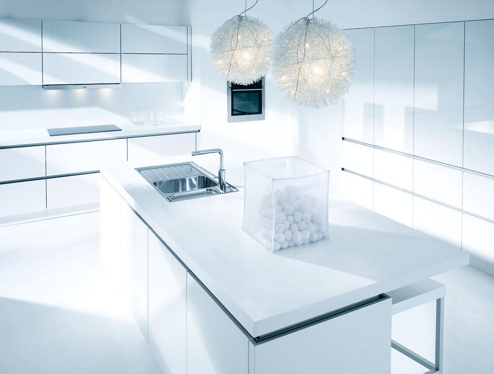 Brilliant White Gloss NL501 3