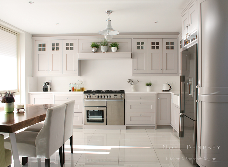 Simple kitchen design planner - The Neutral White Quartz Worktops Are Durable And Easy To Maintain