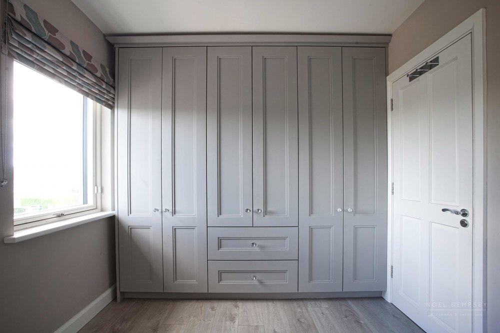 Custom wardrobe Noel Dempsey