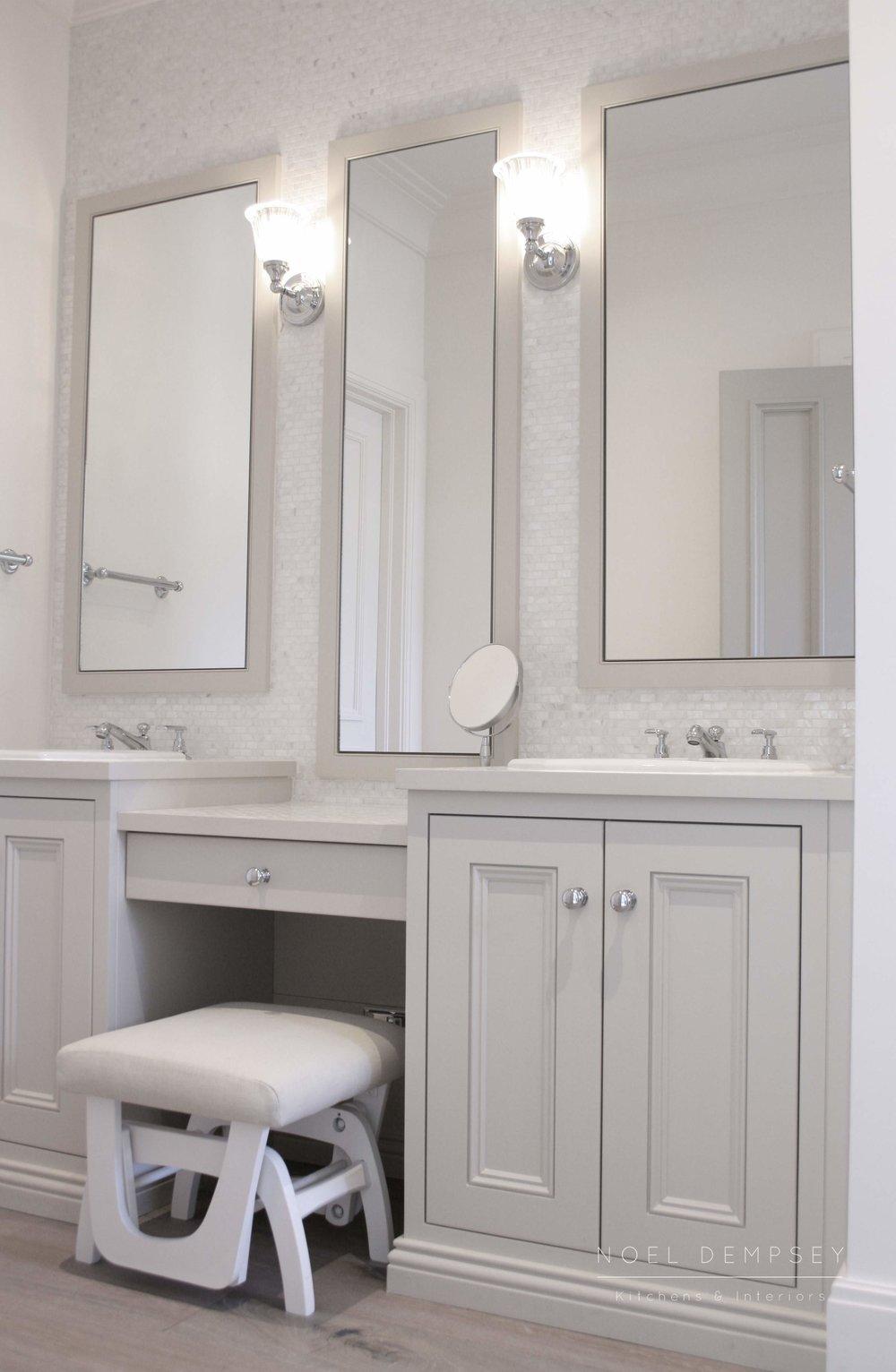 Mirrors design Noel Dempsey