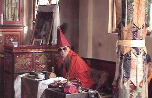 Dorlop Kunzang Kedrup during long life empowerment at Gonjang Monastery, India