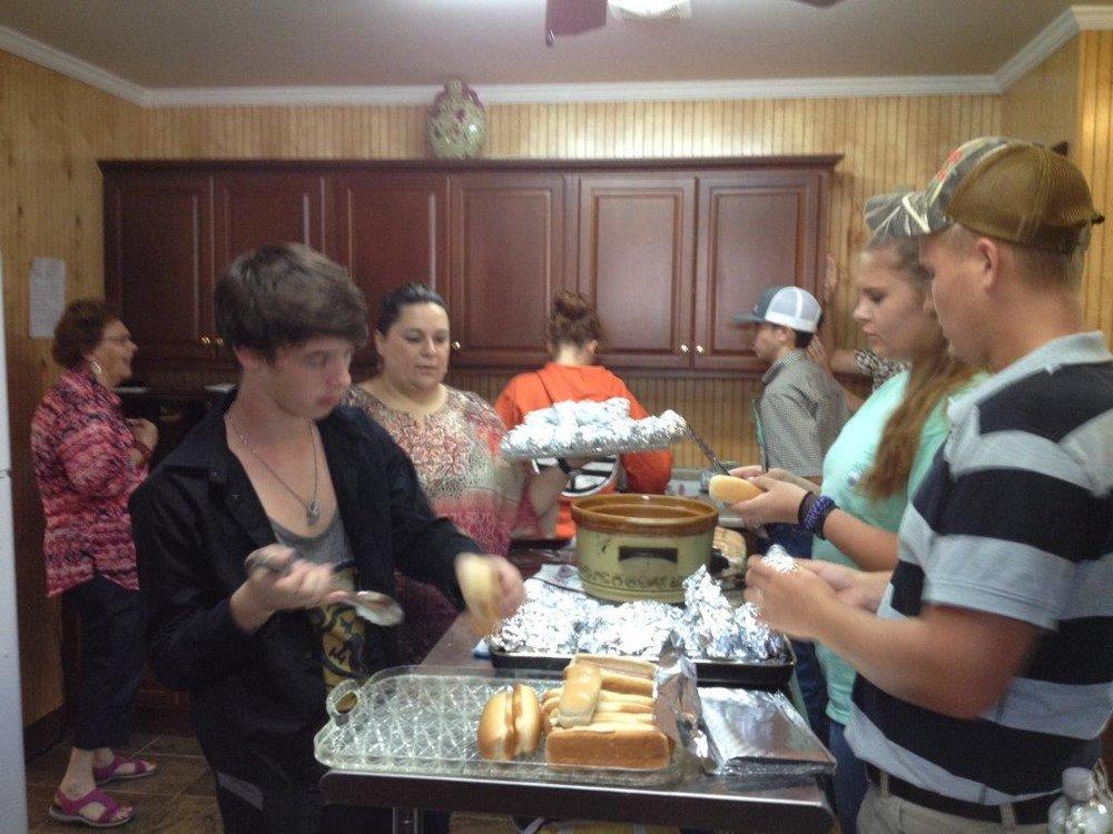 Preparing food 01.jpg