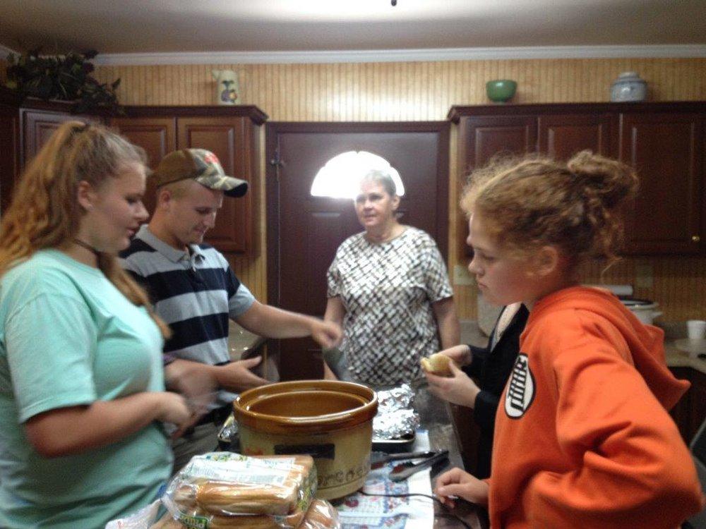 Preparing food 02.jpg