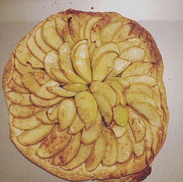 Hello fall (apple tart)