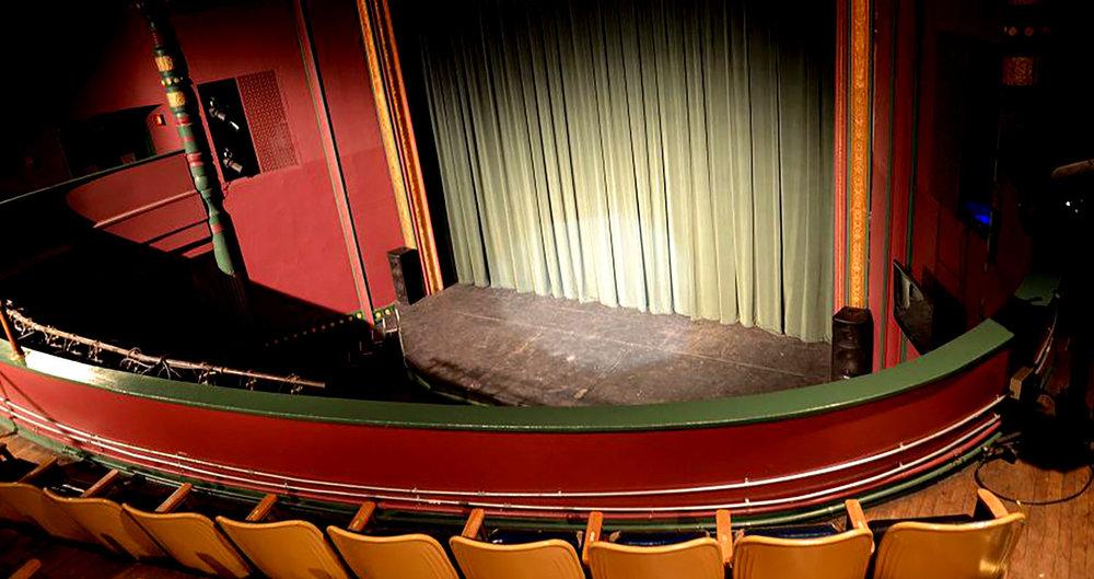 "<div align=""left"">Academy Theatre</div>"