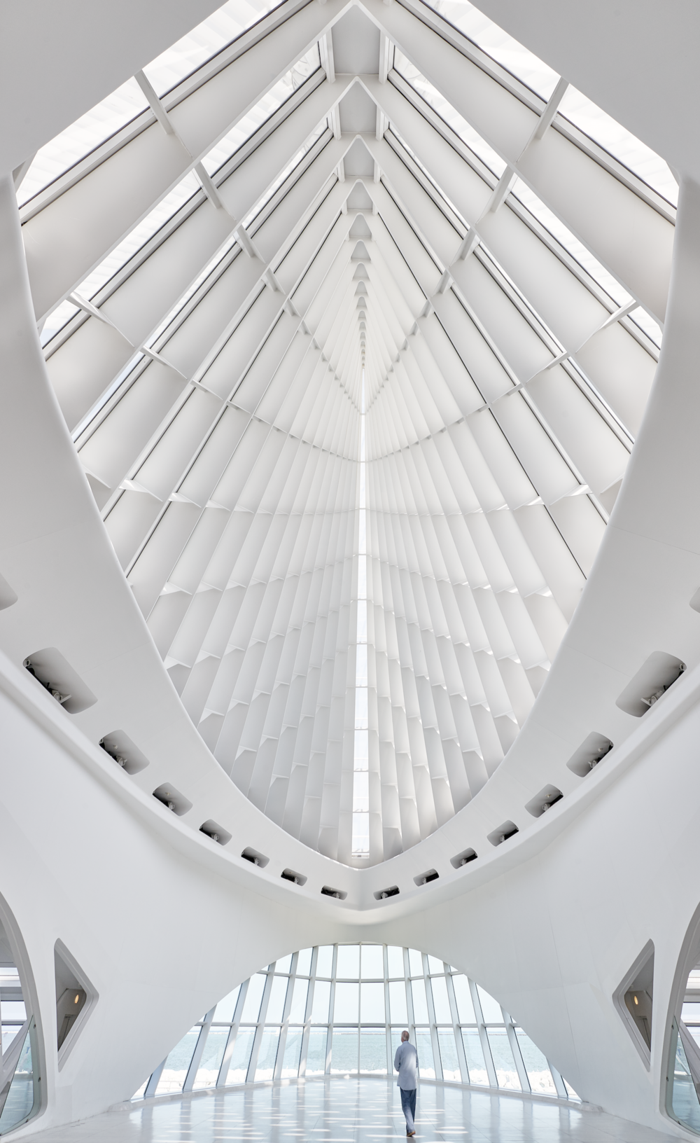 The Milwaukee Art Museum (MAM) Photo by Candamill
