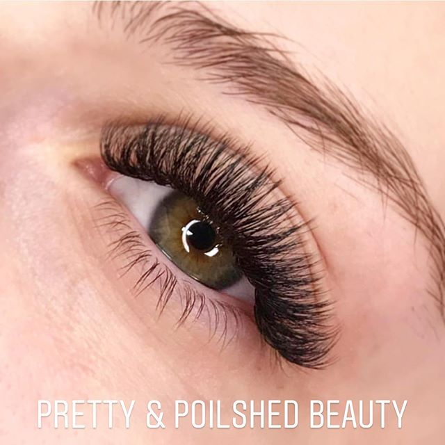 •For all my beautiful brides to be searching for a lash artist look no further! •DAISY at Pretty & Polished beauty is an amazing lash technician that really listens to your needs! Soft and natural to full and fluffy lashes! #perfection #beautifullashes #perfectlashes #russianlashes #classiclashes #bridallashes #russianlashesessex #billericaylashes #billericaybridal
