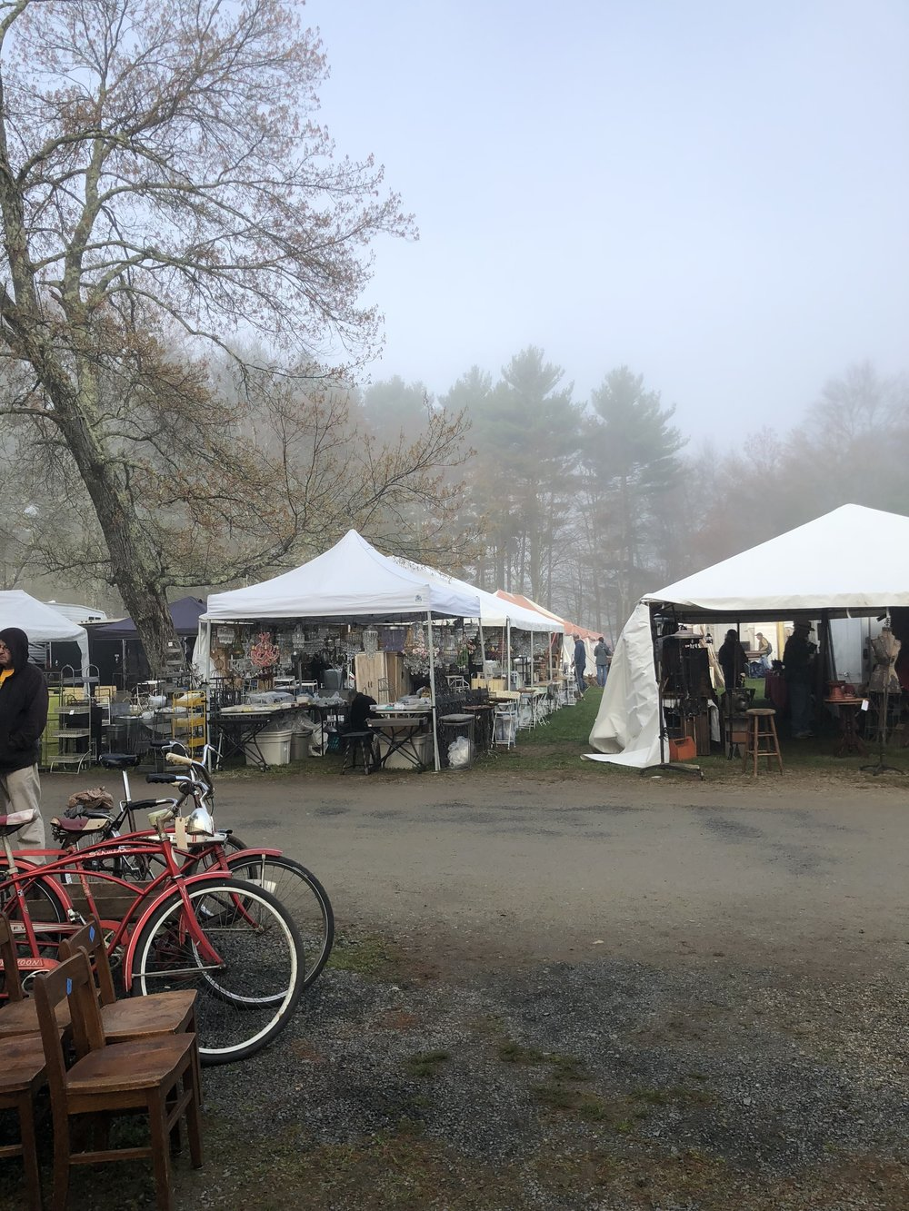 Opening Day at Brimfield Antique Markets (6:00 AM)