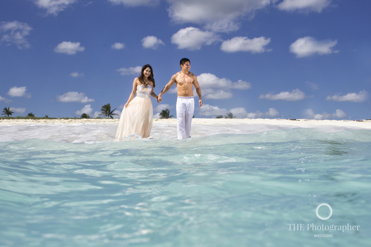 Fe and Aaron | Trash the Dress at Cancun — THE Photographer