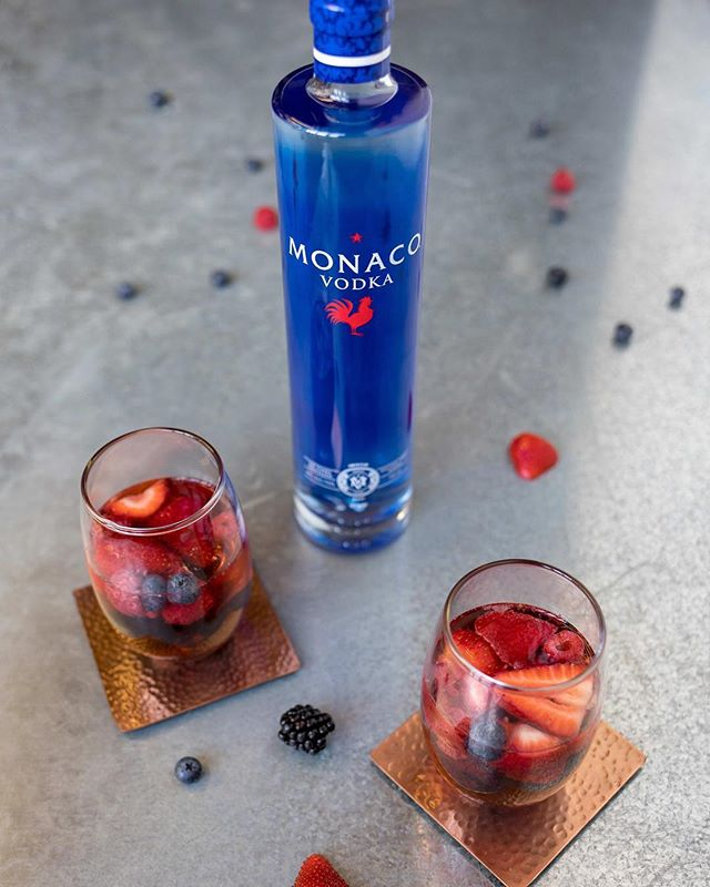 What was your favorite 4th of July cocktail? 🇺🇸 Here's ours: Triple Berry Spritzer  Ingredients: -Mixed frozen berries -1 1/2 oz Monaco Vodka -10oz Lemon-lime soda -Ice #drinkmonaco