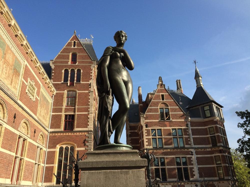 Statue at the  Rijksmuseum.
