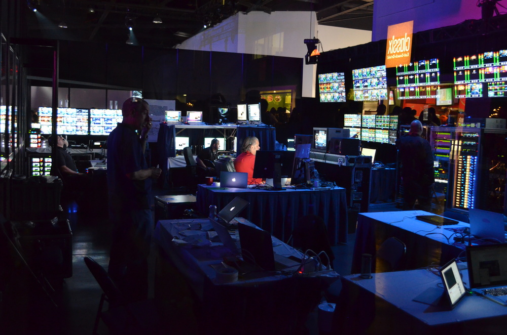 A really neat feature on the floor was the Master Control Room for the whole con. Fun idea to expose it to the public. Looked like a Bourne movie.