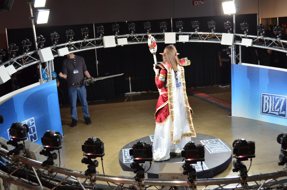 This 360-degree camera rig was taking Matrix-style pictures of attendees in their best epic battle poses.
