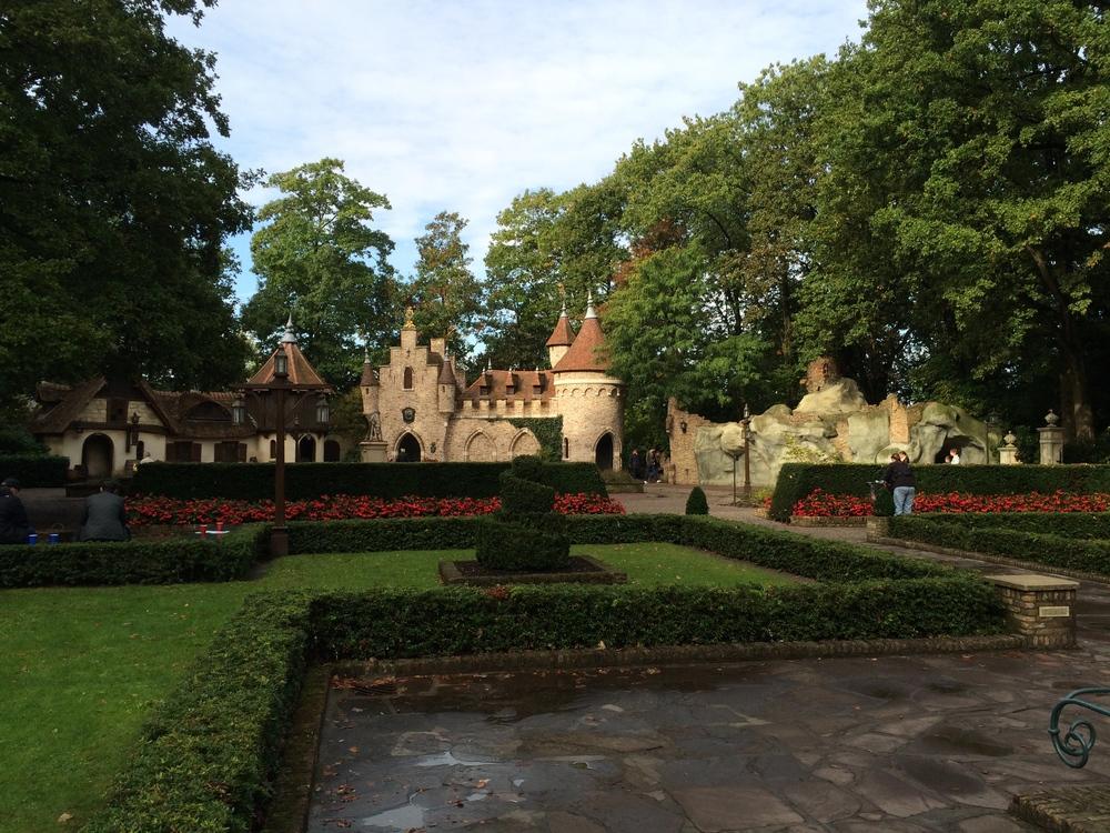Herald Square –Snow White's Cave ( Sneeuwwitje )