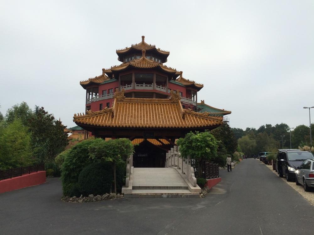 Hotel Ling Bao entrance