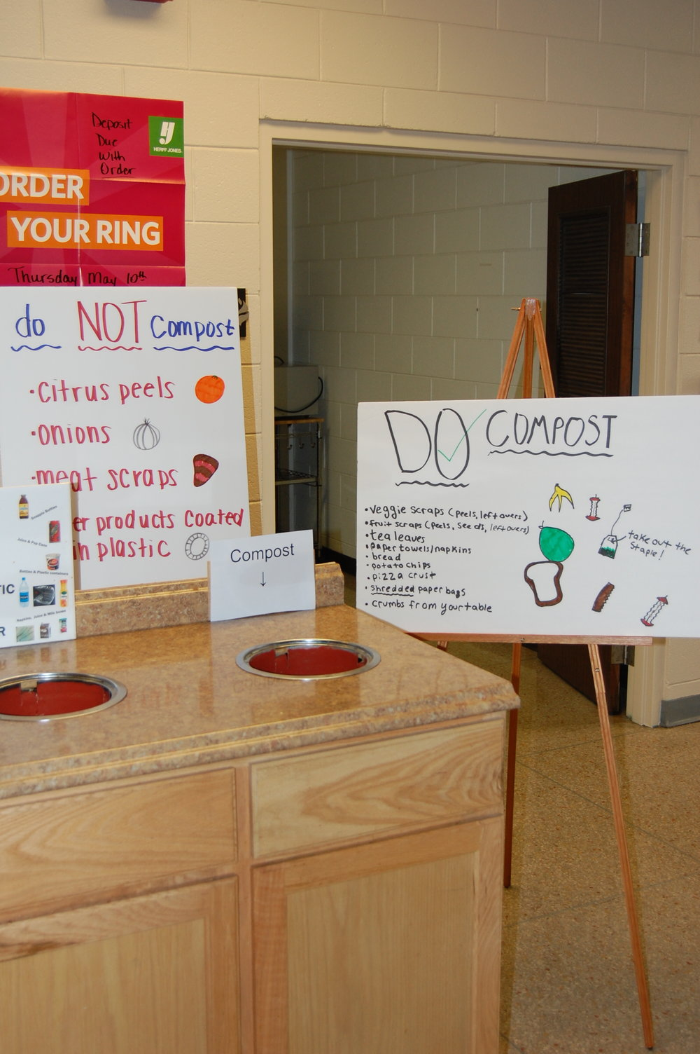 Signs in the Upper School Commons remind students what can and cannot be composted.