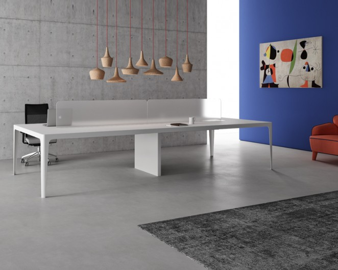 Mesa oficina diseño Grand More