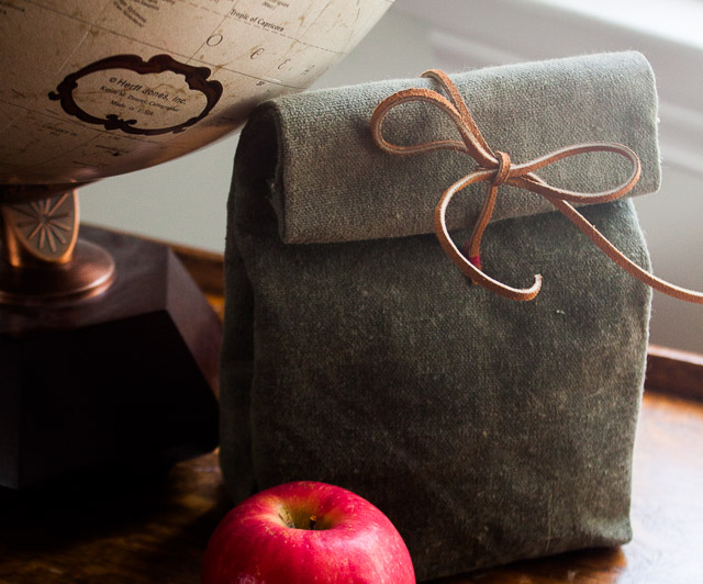 CANVAS & LEATHER LUNCH BAG