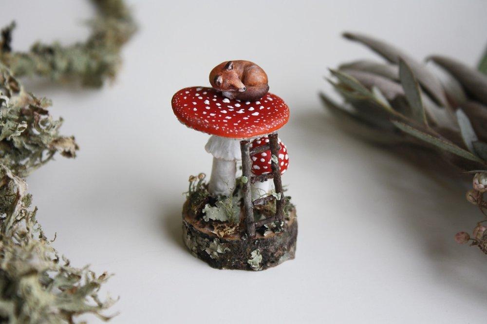 fox-fly-agaric-miniature-sculpture-1_3_orig.jpg