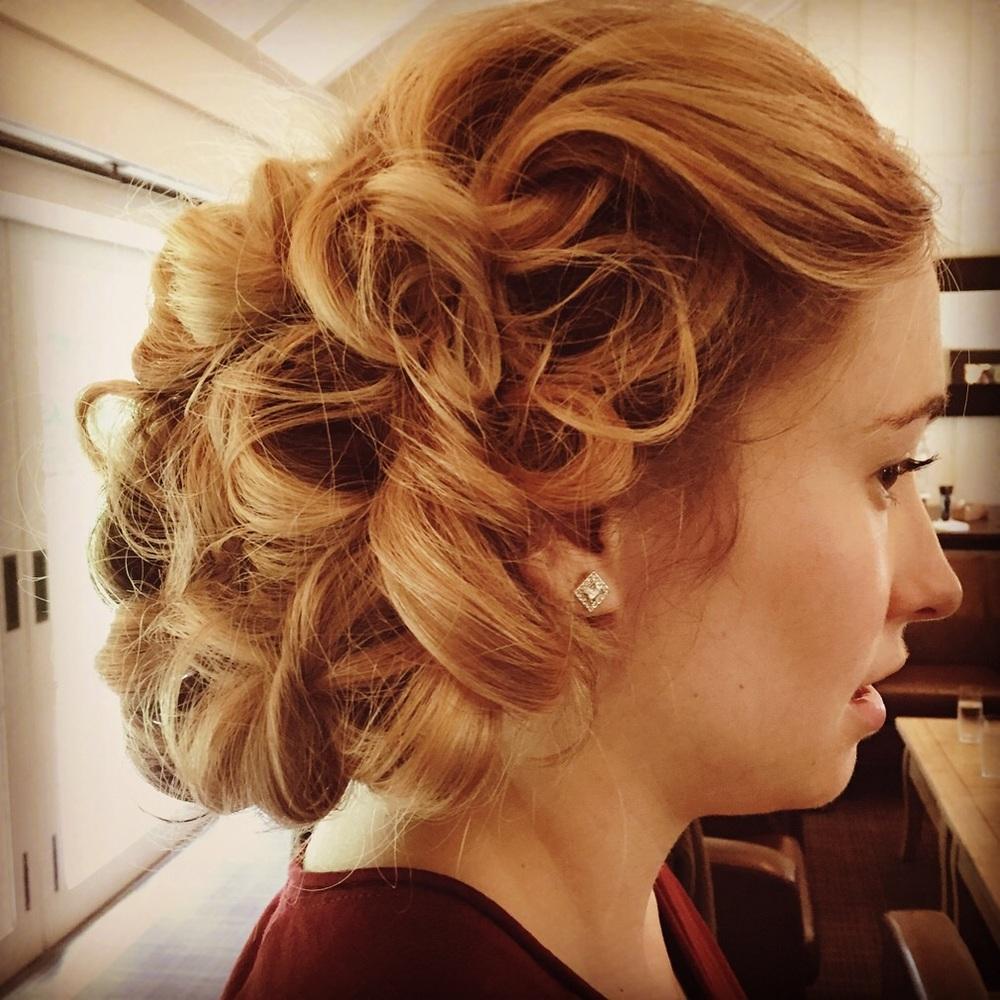 20's inspired bridesmaids hair.