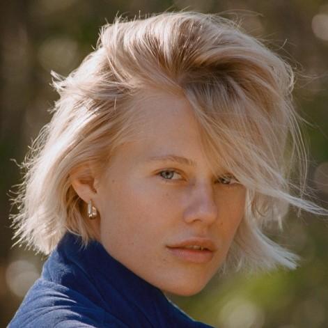 Becca Hiller - Portfolio - Click HereIG: @beccahiller
