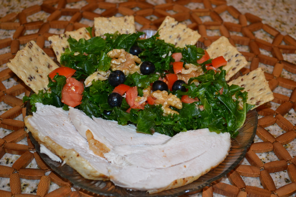 ROI - Lunch or Dinner - Coconut massaged Kale, tomato, blueberry, walnut, chicken breast salad with Nut-thin crackers.