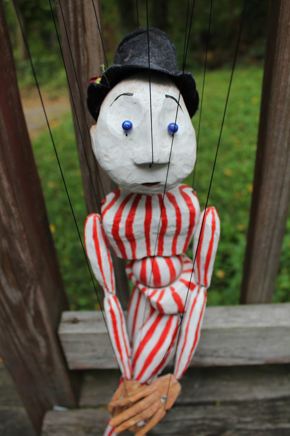 Photoshoot clown marionette.jpg