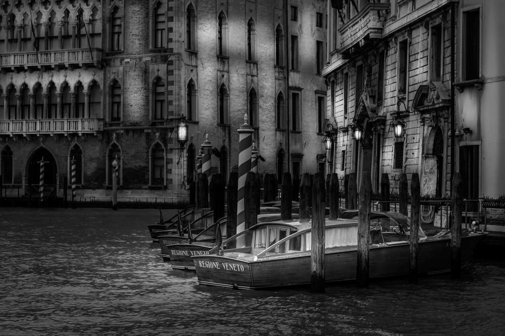 Schnellboote in Venedig