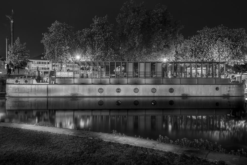 Theaterschiff im alten Neckar - Heilbronn bei Nacht