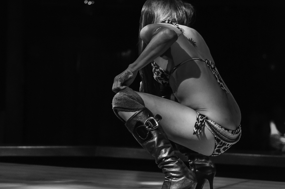 Erotic Philippine Pole-Dancer In Black And White