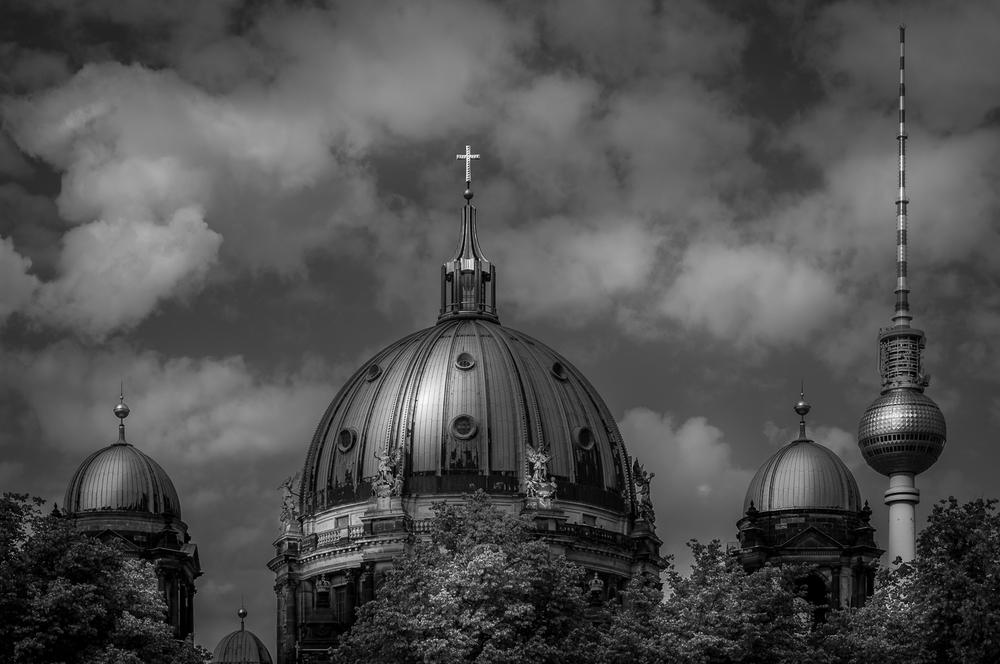 Berliner Dom und Fernsehturm - Berlin Germany
