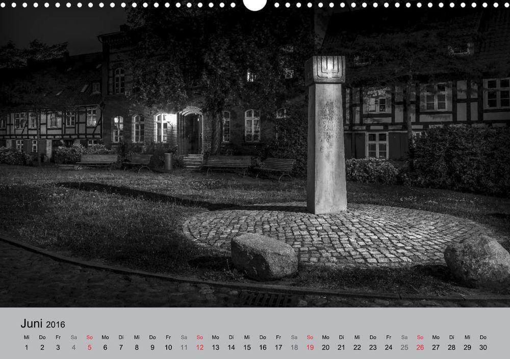 Kalender 2016 Hansestadt Stralsund bei Nacht Juni