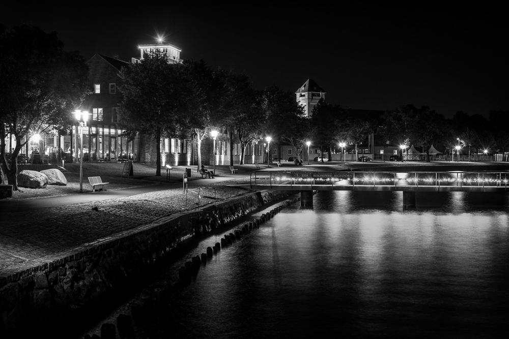 Hansestadt Stralsund bei Nacht - Uferpromenade