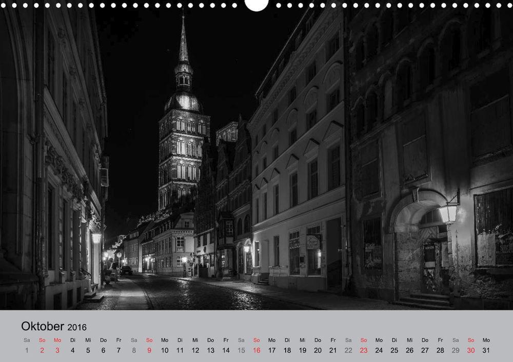 """Kalender """"Hansestadt Stralsund bei Nacht"""" - Badenstraße, Nikolaikirche"""
